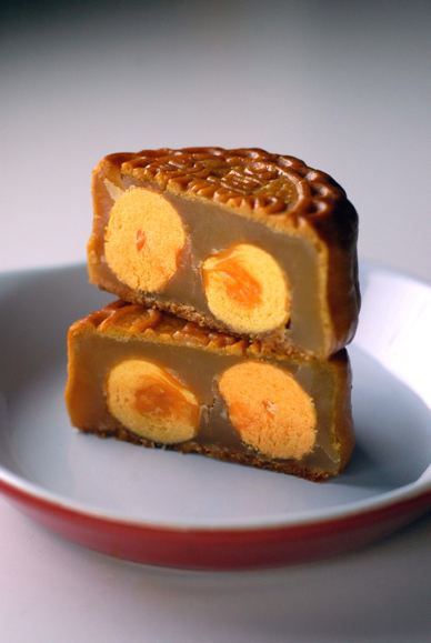 残り物に福あり月餅 Happiness in the Leftover Moon Cake_d0047851_6304314.jpg