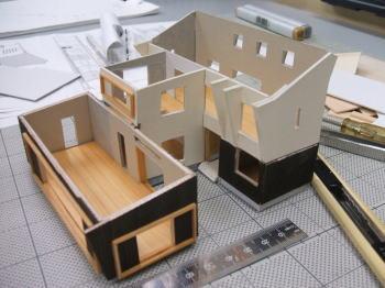 エコハウス模型製作中_f0047576_1842461.jpg