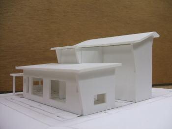エコハウス模型製作中_f0047576_18435846.jpg