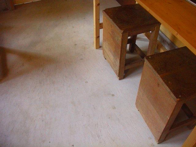 林の中の小さなカフェ。_e0060555_1305394.jpg