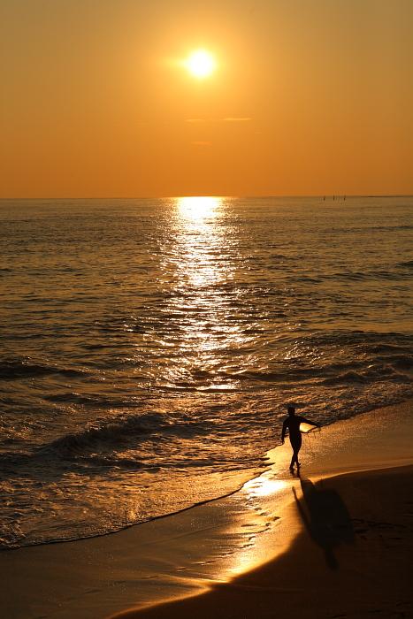 七里ヶ浜と夕陽とサーファーと。。。_e0139093_21223478.jpg