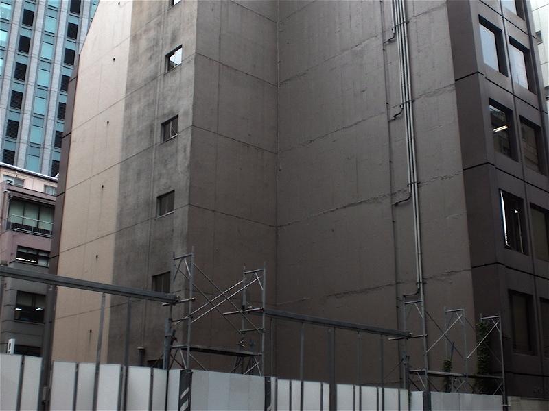 工事現場の横_c0156717_971833.jpg