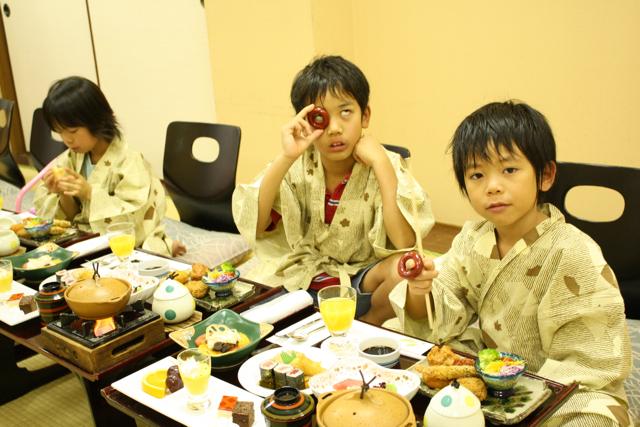 嬉野温泉に3家族でお泊まりです。_c0175022_23413142.jpg
