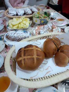 今日のパン教室と、働きすぎキティ_c0106100_22584042.jpg