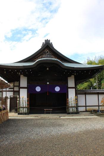 紅葉の盛り 勧修寺(かじゅうじ)_e0048413_21405726.jpg