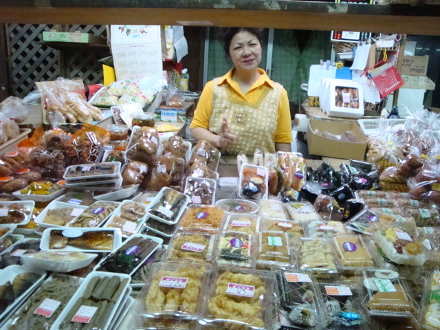 栄町農連市場_c0196050_1632868.jpg