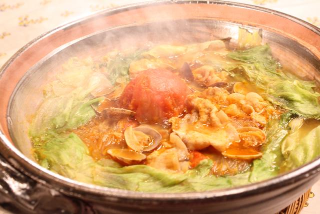 トマトアジアン鍋です。_c0175022_22424024.jpg