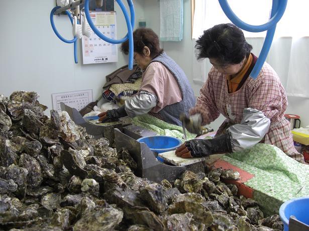 今年もまた牡蠣シーズン到来!_e0175370_16383835.jpg