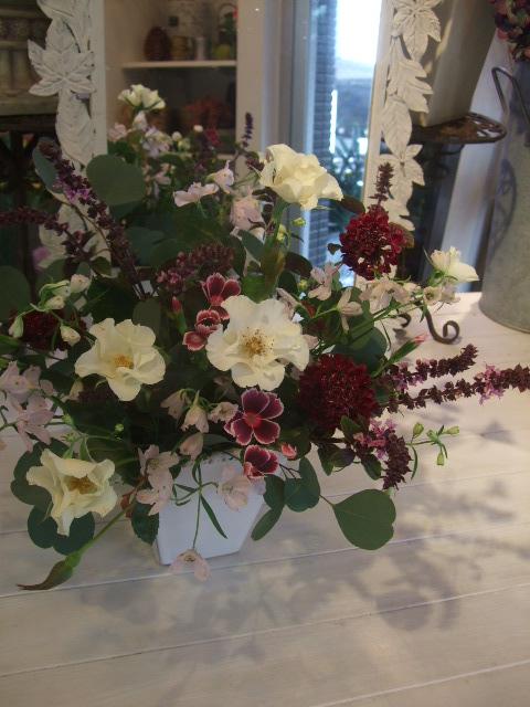 オークリーフ花の教室(山田さんの作品)_f0049672_1836411.jpg