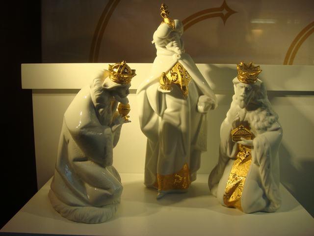 スペインのLLADROはクリスマス一色の今日、_d0100880_1011030.jpg