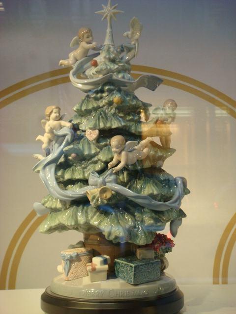 スペインのLLADROはクリスマス一色の今日、_d0100880_10113894.jpg