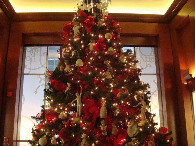 スペインのLLADROはクリスマス一色の今日、_d0100880_10185338.jpg