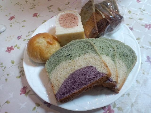 おいしいパンやさん_c0106100_22352736.jpg
