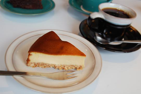 滋賀で濃厚チーズケーキ_a0115906_14263747.jpg