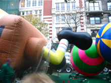 Macy\'s Thanksgiving Day Paradeの巨大バルーン*_a0110515_1150786.jpg