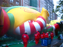 Macy\'s Thanksgiving Day Paradeの巨大バルーン*_a0110515_11531318.jpg