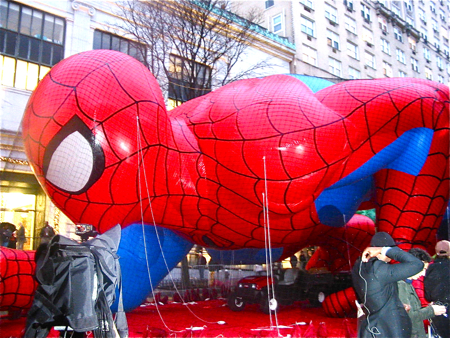 Macy\'s Thanksgiving Day Paradeの巨大バルーン*_a0110515_1156026.jpg