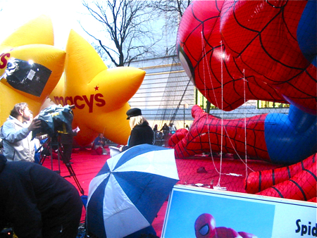Macy\'s Thanksgiving Day Paradeの巨大バルーン*_a0110515_11562537.jpg