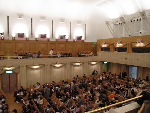 カザルスホール―ホール内観写真を大きめ5点_d0138618_9515222.jpg