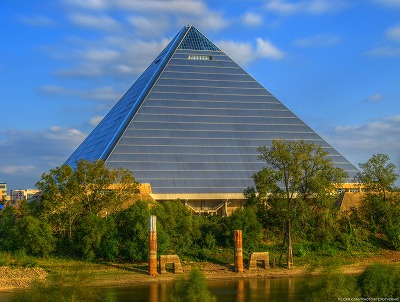 巨大建造物は景観をだめにするMOTTAINAI?_e0105047_12243584.jpg