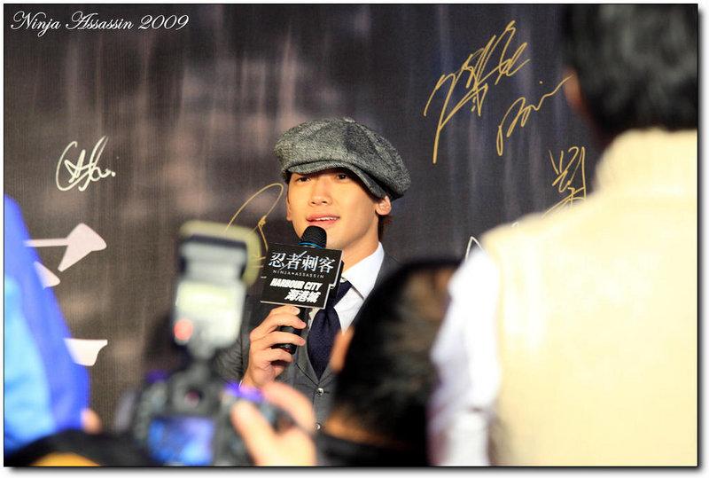 RAIN香港で、ファンの前に登場!レポ届きました_c0047605_12676.jpg