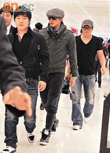 RAIN香港で、ファンの前に登場!レポ届きました_c0047605_21513255.jpg