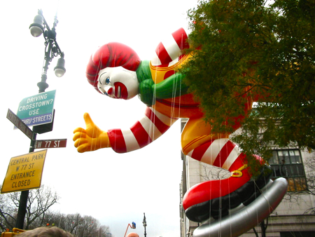 VIP席からMacy\'s Thanksgiving Day Parade☆_a0110515_617370.jpg