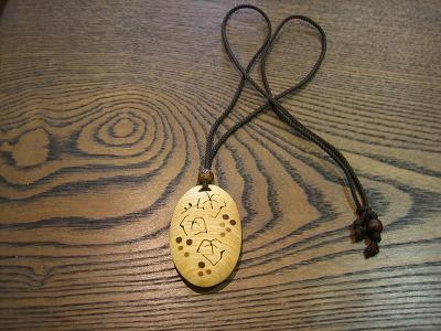 レリーフガーデンさんのネックレスとチョーカー_b0100229_1247436.jpg