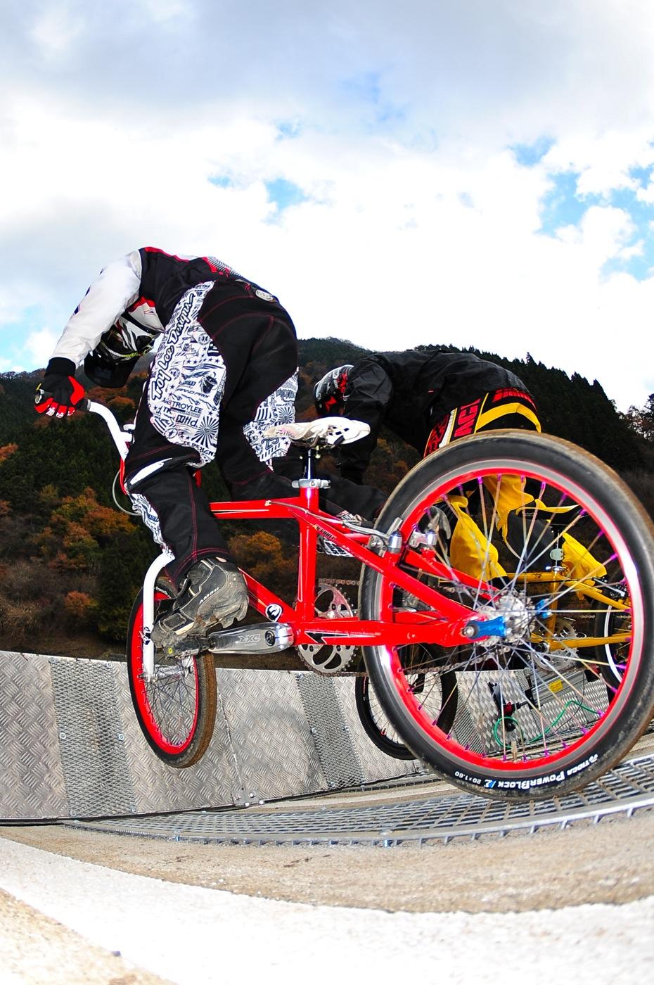 スタートマニア2009:秩父滝沢サイクルパークBMXトラック_b0065730_16283180.jpg
