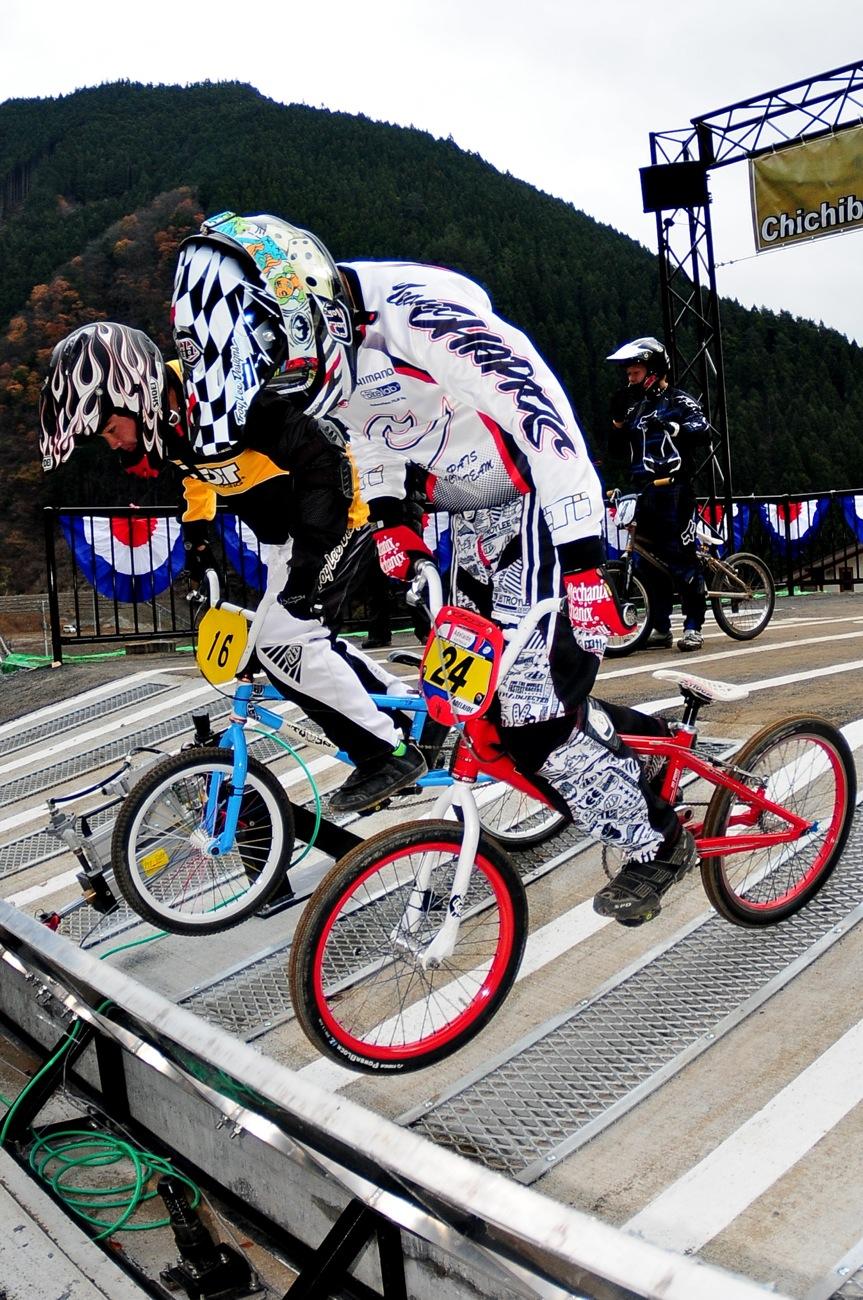 スタートマニア2009:秩父滝沢サイクルパークBMXトラック_b0065730_1629443.jpg