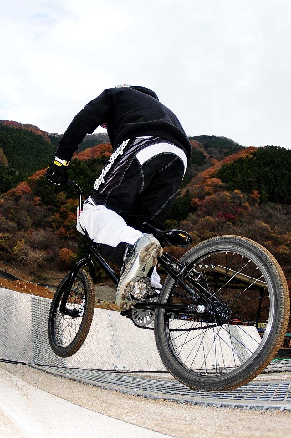 スタートマニア2009:秩父滝沢サイクルパークBMXトラック_b0065730_16295330.jpg