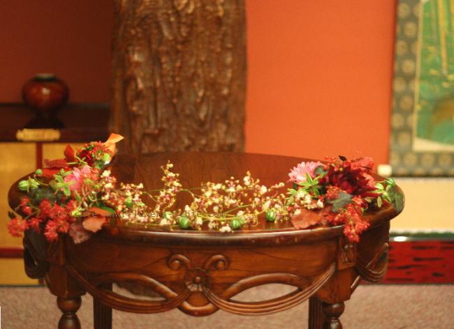 和の花の装花 アマリリス 目黒雅叙園様の装花_a0042928_22573333.jpg
