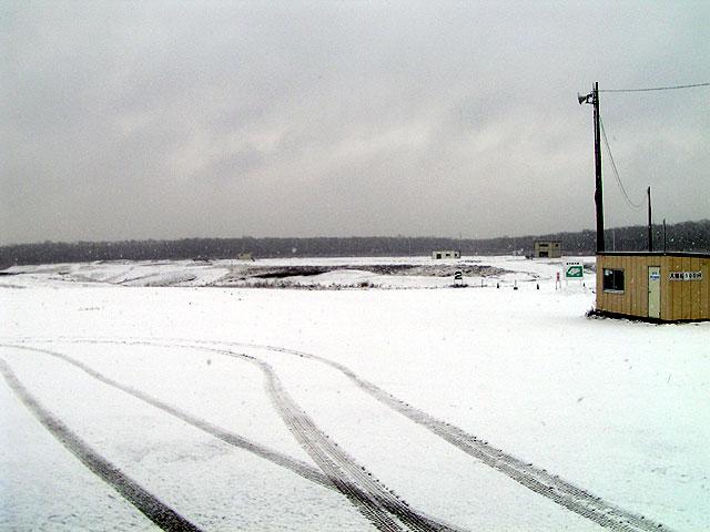 札幌よりは雪が弱い?_e0183255_97155.jpg