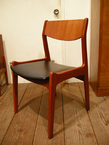 Chair(DENMARK)_c0139773_20501028.jpg