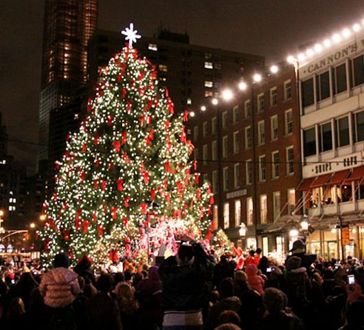サウス・ストリート・シーポートの歌うクリスマス・ツリー点灯式 _b0007805_100489.jpg