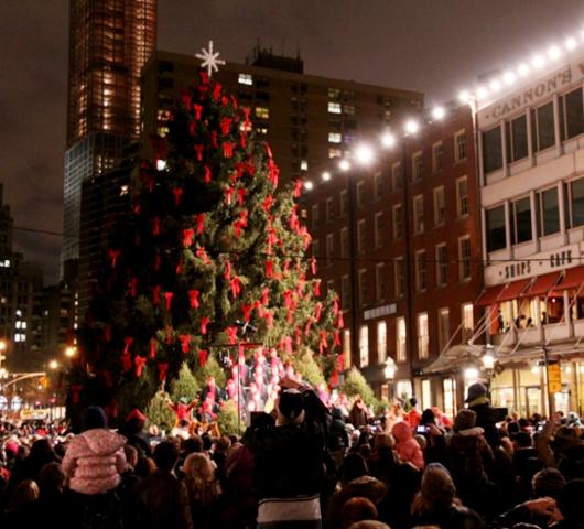 サウス・ストリート・シーポートの歌うクリスマス・ツリー点灯式 _b0007805_9595325.jpg