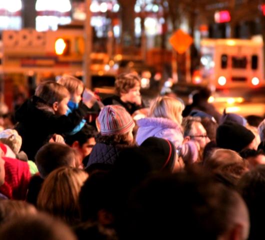 サウス・ストリート・シーポートの歌うクリスマス・ツリー点灯式 _b0007805_959879.jpg