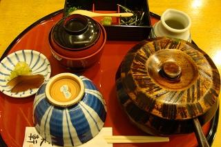 名古屋といえば、ひつまぶし!あつた蓬莱軒。_c0227407_1855599.jpg