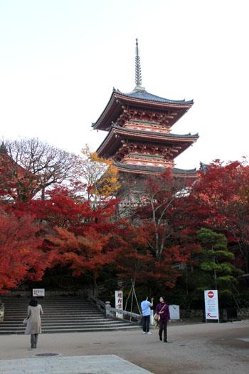 清水寺2 紅葉盛り_e0048413_19333585.jpg
