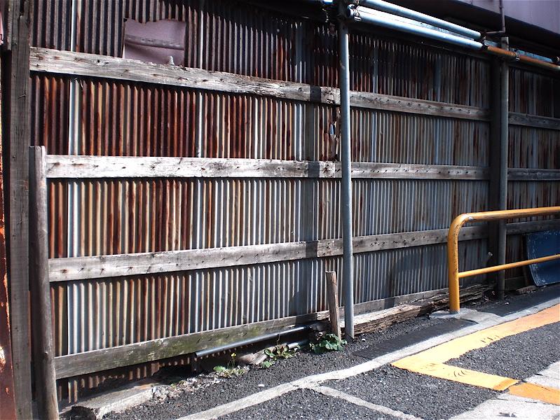駐車場塀_c0156717_8312424.jpg
