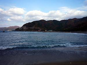 食見海岸_c0019338_929043.jpg