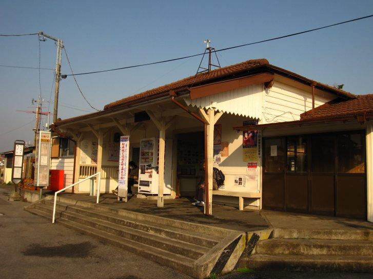 駅舎_c0051620_20121952.jpg