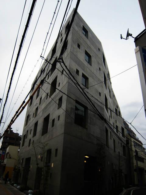 芦澤竜一さんの建築_b0137082_19371552.jpg