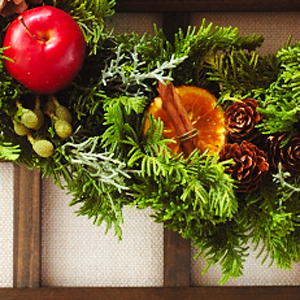 手作りのクリスマスリース_a0115906_17402588.jpg