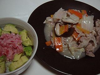 八宝菜とまぐろアボガド丼_c0025217_11403116.jpg
