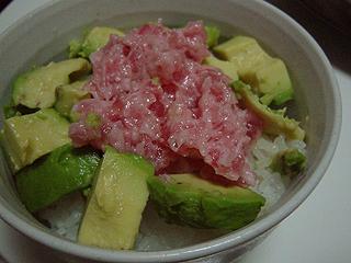 八宝菜とまぐろアボガド丼_c0025217_11404140.jpg