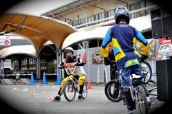 サイクルスポーツフェスタin川崎競輪場VOL5:BMXパフォーマンスショー第2部レーサージャンプパフォーマンス_b0065730_2025937.jpg