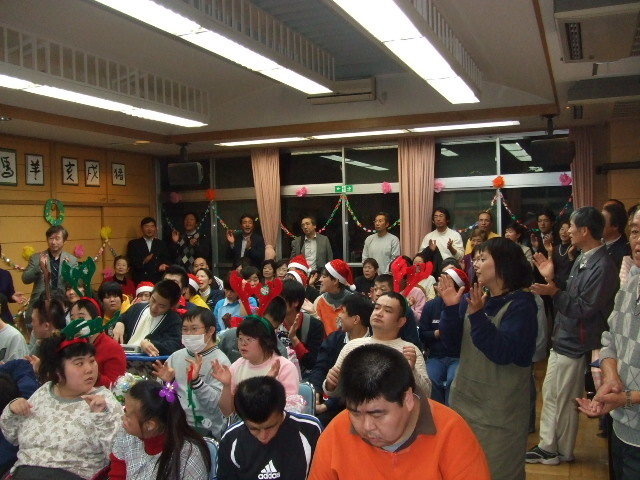 YK会の施設慰問_e0119092_10225564.jpg