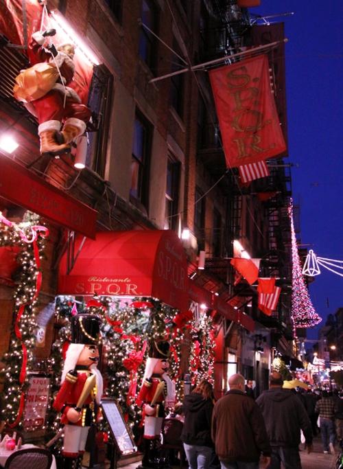 リトルイタリーのクリスマスの様子_b0007805_8535058.jpg