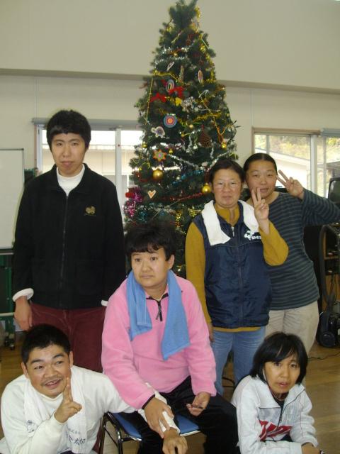 竜王の里で。楽しいクリスマスツリーの飾り付け_d0139806_22293549.jpg